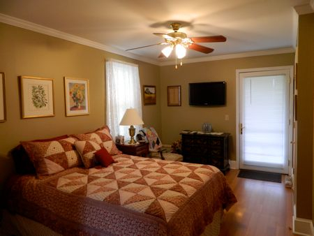 Picture of Brooklyn Bridge Bed and Breakfast guest room, Cooperstown NY